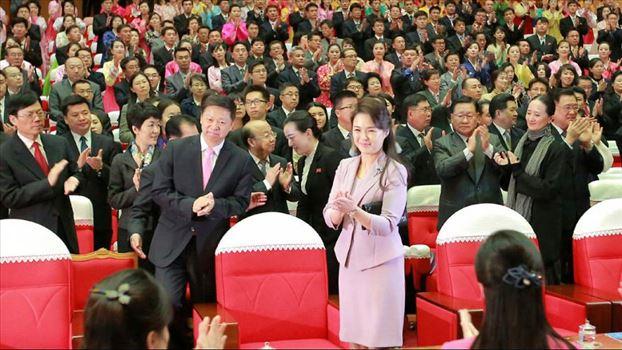 880x495_cmsv2_88acd39f-af25-58af-a842-b7b1edfb3718-3133931.jpg - کره شمالی پس از ۴۰ سال صاحب «بانوی اول» شد