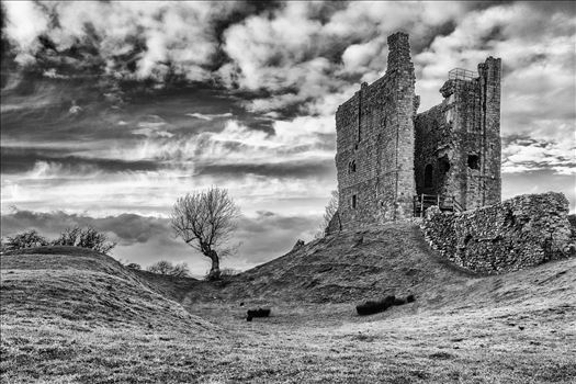 Brough Castle by philreay