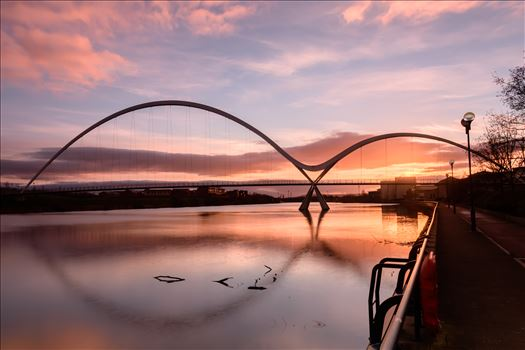 Sunrise at the Infinity Bridge by philreay
