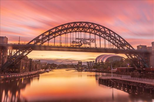 Sunrise on the Tyne bridge, Newcastle by philreay