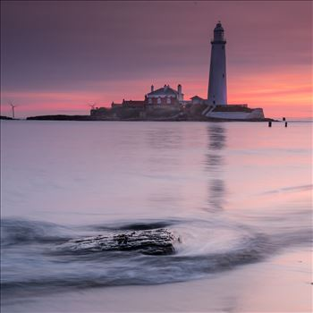 Sunrise at St Mary`s lighthouse & island, Whitley Bay 006 by philreay