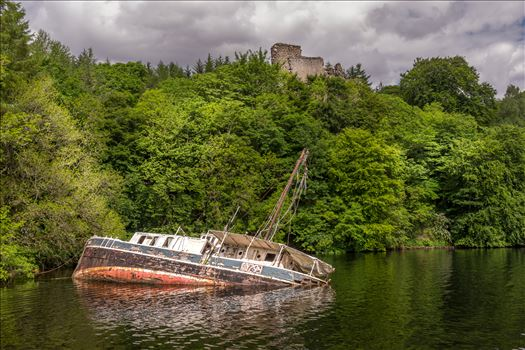 Invergarry Castle & the Eala Bhan by philreay