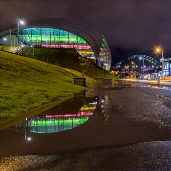 Reflections on Gateshead quayside by philreay