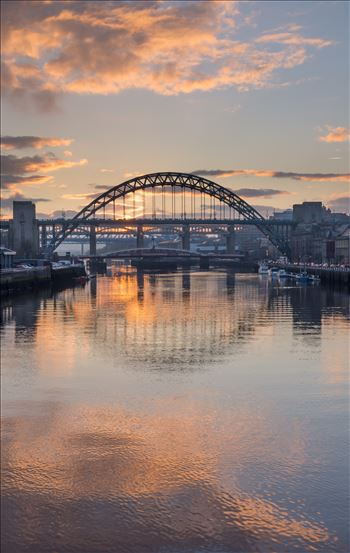 Sunset on the Tyne by philreay