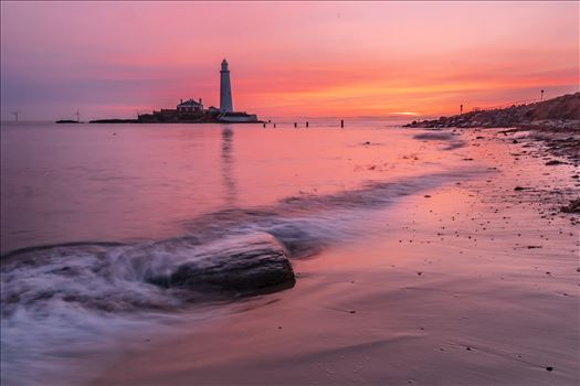 Sunrise at St Mary`s lighthouse & island, Whitley Bay 004 by philreay