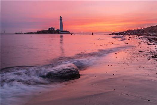 Sunrise at St Mary`s lighthouse \u0026 island, Whitley Bay 004 -