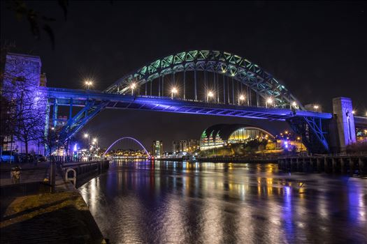 The River Tyne at night by philreay