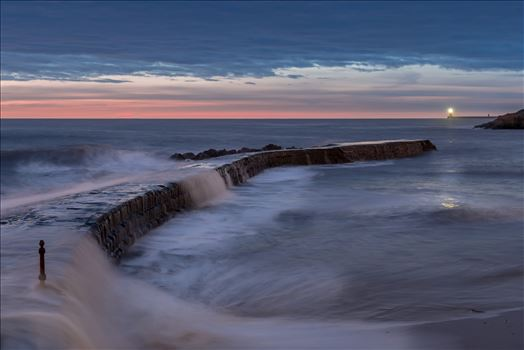 Waves at Cullercoats bay by philreay