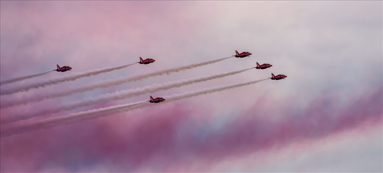 Red Arrows by philreay