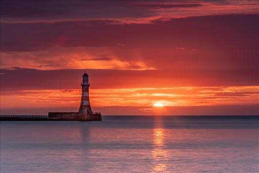 Sunrise at Sunderland by philreay