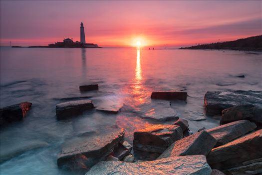 Sunrise at St Mary`s lighthouse \u0026 island, Whitley Bay 001 -