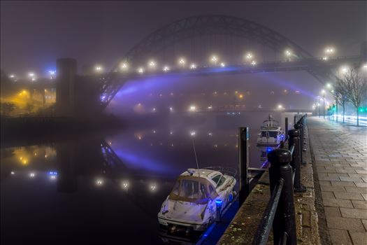 Fog on the Tyne 3 by philreay
