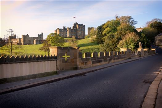 Alnwick Castle, Northumberland by philreay