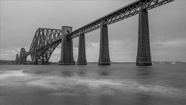 Forth rail bridge by philreay