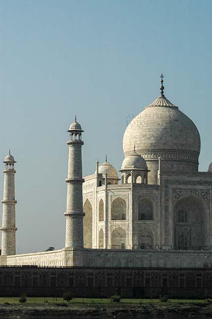 Monuments- Taj Mahal, Agra (India) Side view of Taj Mahal, the jewel of Muslim art in India at Agra, Uttar Pradesh, India. by Anil Sharma Fotography