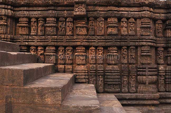 Monuments- Sun Temple Konark (Orissa) Richly carved sculptures of dancers and musicians, at Konark Sun Temple also known as Black Pagoda, at Bhubaneswar, Orissa, (India) by Anil Sharma Fotography