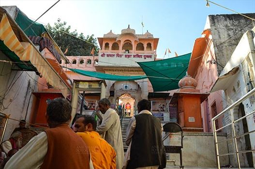 Fairs- Pushkar Fair (Rajasthan) - Pushkar, Rajasthan, India- January 16, 2018: TDevotees at the he entrance of Brahma Temple at Pushkar, Rajasthan, India.
