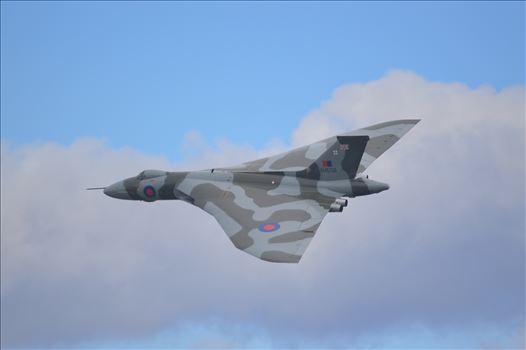 Vulcan bomber XH558 by AJ Stoves Photography