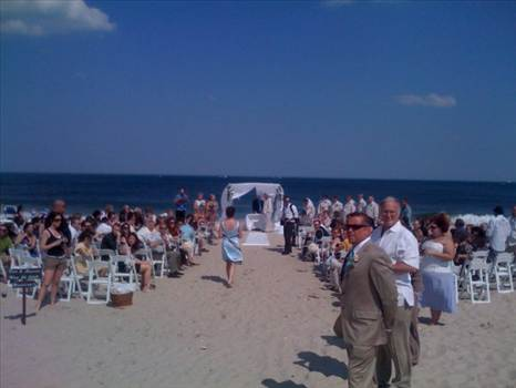 Live wedding entertainment in NJ - Arnieabramspianist.com is simply the best when it comes to providing finest, award-winning live wedding entertainment in NJ. We promise to make your B-day the most memorable musical night of your life with our soulful piano performances.For further inform