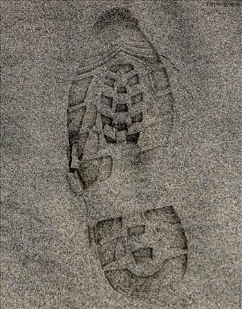 footprints.jpg by Aaron