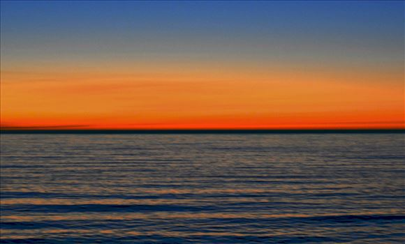 7_EsplanadeSunset_16x20_framed.jpg by Bridget Oates Photography