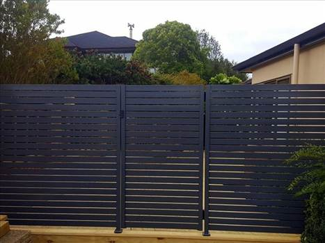 Fence privacy screens - Fence privacy screens made of aluminum balustrades can add aesthetic value to your property. For more details, visit: http://provista.co.nz/euro-slat-privacy-fence/