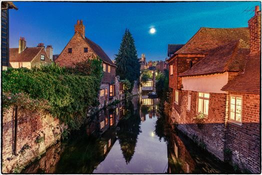 40 Blue hour.jpg by Jimages