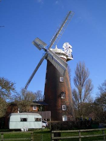 Buttrum's_Mill,_Woodbridge.jpg by Frank Bell