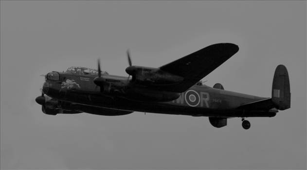 lancaster frm cosford airshow 2013-1.jpg by WPC-21