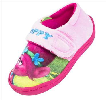 Trolls Yunsen Pink Slippers.jpg by Thingimijigs