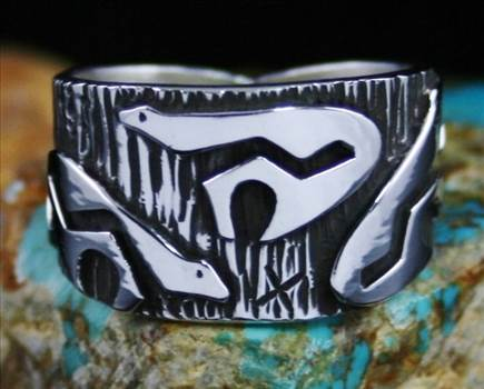 Kee Yazzie Bear Petroglyph Design Overlay Ring by Turquoisedirect