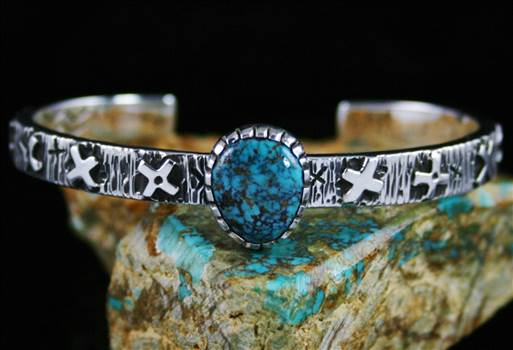 Kee Yazzie Rare High Grade Red Mountain Turquoise Petroglyph Design Bracelet by Turquoisedirect