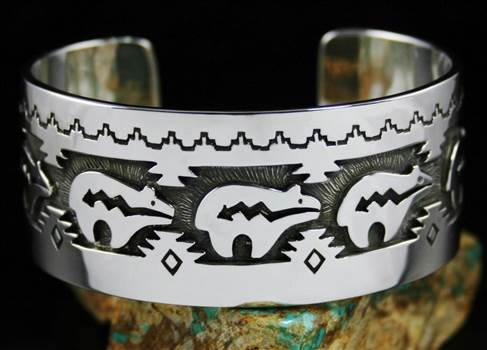 Dina Huntinghorse Bear Design Overlay Bracelet by Turquoisedirect
