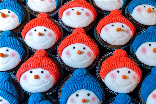 Xmas cupcakes up close by Alison Wonderland Bakes