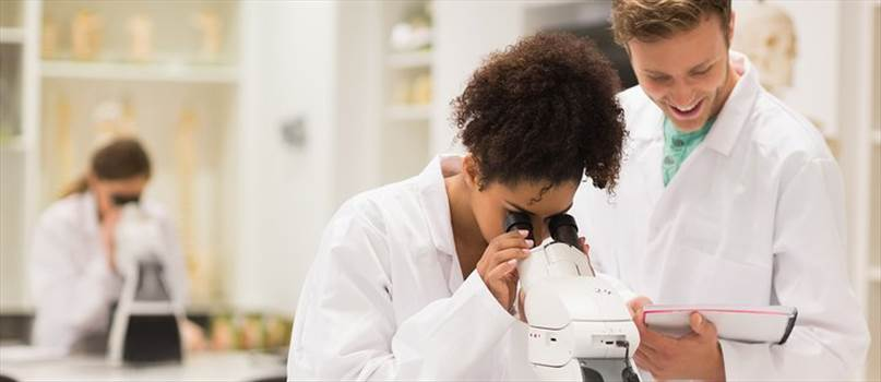 people_medical-researcher-looking-in-microscope_landscape.jpg__750x325_q85_crop_subsampling-2_upscale.jpg by vidhimalik0589