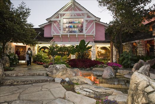 Maryanne and Michael at Madonna Inn 122 -