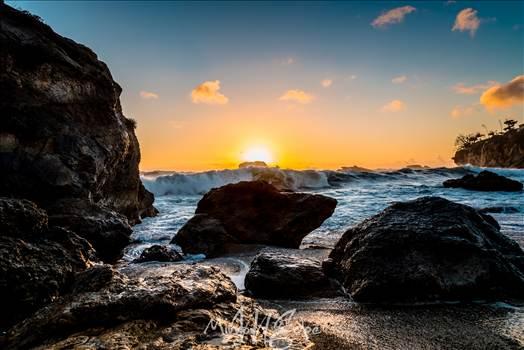 Gazebo Cove Big Wave.jpg - undefined