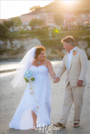 Port-7697.JPG - Beautiful and sweet wedding photography by the sea.  Ocean front ceremony at the Avila Lighthouse Suites on Avila Beach, California
