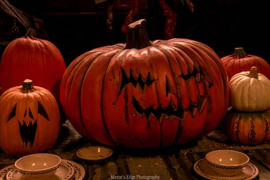 Halloween Pumpkin Knotts.jpg by Sarah Williams