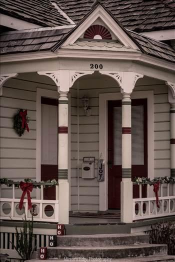 Christmas House.jpg - undefined