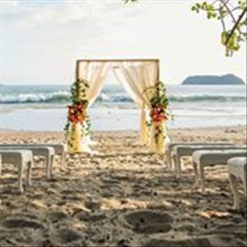 Vista Hermosa Estate is quickly becoming the premier venue for beach weddings in Manuel Antonio. Book your ideal Costa Rica wedding today!  Get more details visit at https://vistahermosaestate.com/destination-weddings/