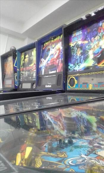 5 PINBALL MACHINES COSTA RICA.jpg by richardblank