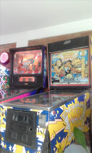 CCC  boasts the largest collection of American pinball in Costa Rica with an impressive row of 11 classic machines on free play. A gamification call center was created and is the only known retro video arcade game room for employees in Latin Ameria !!!!