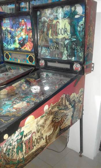 1992 DATA EAST HOOK PINBALL MACHINE COSTA RICA.jpg by richardblank