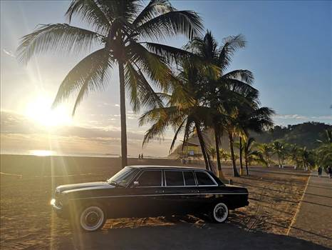 HERMOSA BEACH SUNSET COSTA RICA 300D LIMO.jpg by richardblank