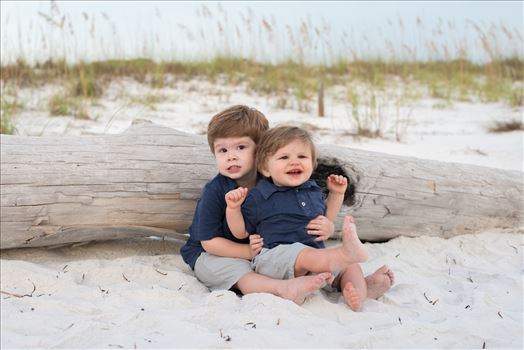 eeeeek! Love these kiddos! by Holly Naughton Photography