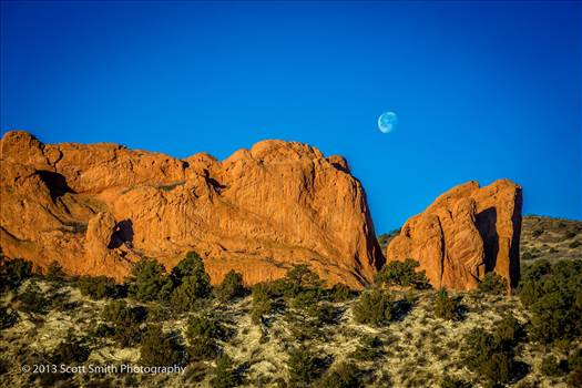Garden of the Gods, Manitou Cliff Dwellings and more from the area.