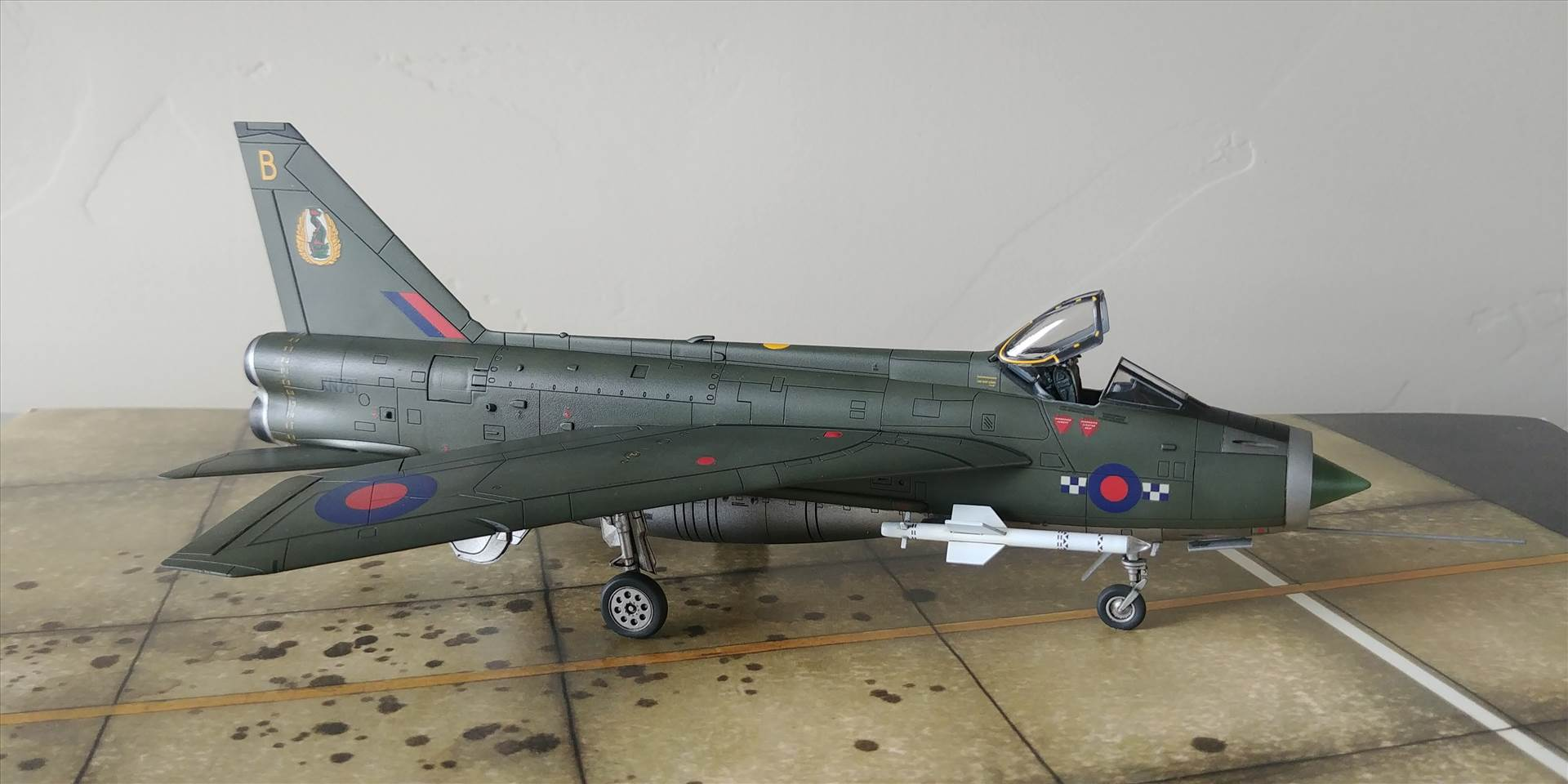 Airfix 1/72 EE Lightning - Ready for Inspection - Aircraft