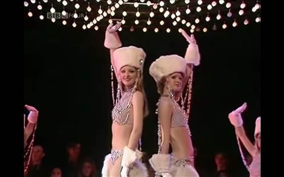 Dancing Queen - Rosie Lulu.png -