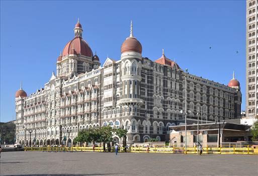 1200px-Taj_Mahal_Palace_Hotel.jpg by JohnBunker